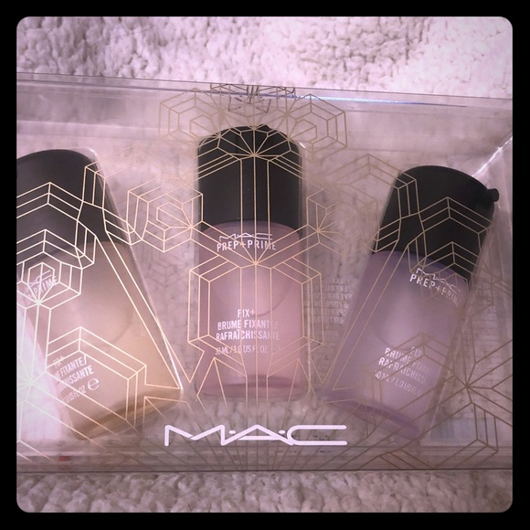 MAC Cosmetics Other - Mac Fix Plus snowball collection